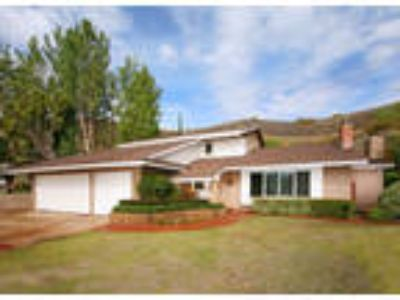 Beautiful Agoura Hills Home!
