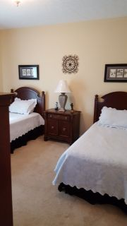Broyhill Complete Twin size Bedroom Set and Matching TV Stand (only one of the beds)