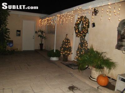 $925 4 single-family home in East Los Angeles