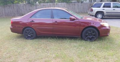 2002 Toyota Camry SE (Red)