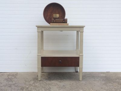 End table/side table/nightstand