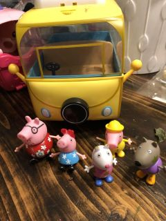 Peppa pig bus and figures