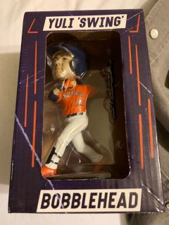 Houston Astros Yuli Gurriel swing Bobblehead