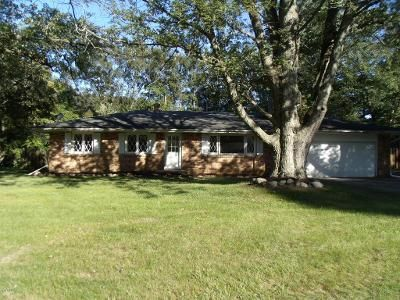 4 Bed 2 Bath Foreclosure Property in Berrien Springs, MI 49103 - Meadowlark Ln