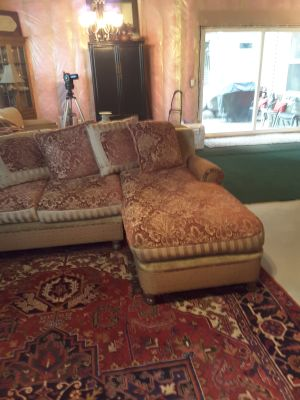 Love seat/ chaise