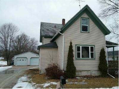 3 Bed 1 Bath Foreclosure Property in Ripon, WI 54971 - Harvey St
