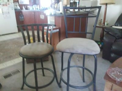 Set of barstools