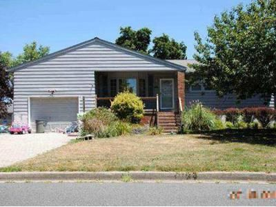 3 Bed 2 Bath Foreclosure Property in Pennsville, NJ 08070 - Castle Heights Ave