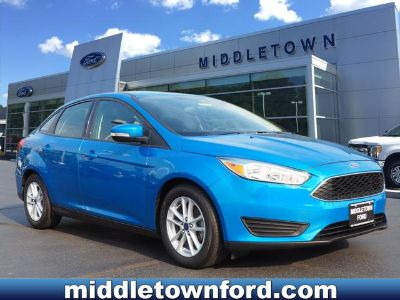 2016 Ford Focus SE (Blue Candy Metallic Tinted Clearcoat)