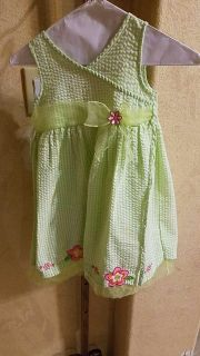 Adorable girl's dress size 6 perfect for Easter