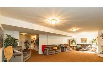 3 bedrooms Apartment in Fort Washington. Parking Available!