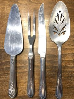 Silverware serving set