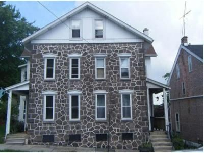 4 Bed 1 Bath Foreclosure Property in Spring City, PA 19475 - Walnut St