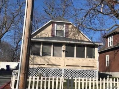 3 Bed 1 Bath Foreclosure Property in Springfield, MA 01107 - Milford St