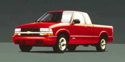 1999 Chevrolet S-10 LS (Summit White)