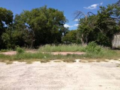 Commercial Lot For Sale close to ATT Center (4343 East Houston San Antonio, Texas)