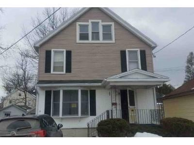 3 Bed 1.5 Bath Foreclosure Property in Batavia, NY 14020 - Seneca Ave