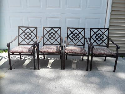 Metal patio chairs with seat cushions (See all photos)