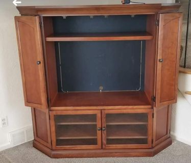 Quality TV Armoire