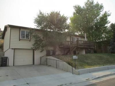 3 Bed 1.5 Bath Foreclosure Property in Green River, WY 82935 - Apache Ave