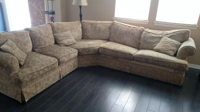 Nice couch with full size sleeper!