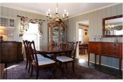4 bedrooms House - Classic Center Hall Colonial.