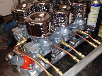 Chevy small block 6 carb set up. 6 storm's. Hot rod. S