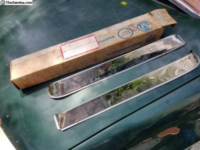 1965 & Later Vent Shades Accessory