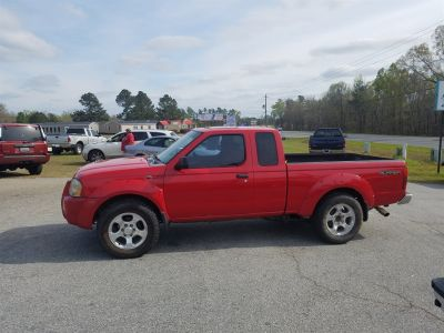 2001 Nissan Frontier SC (Red)