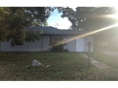 3 Bed 1 Bath Preforeclosure Property in Daytona Beach, FL 32114 - School St