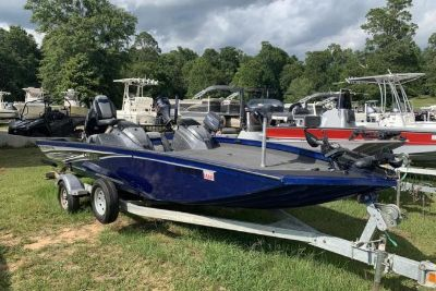 2017 Lowe Stinger 198 Dual Console