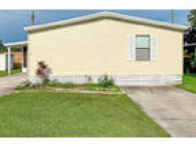 Beautiful 3 BR 2 BA in Affordable All Ages Kissimmee Community