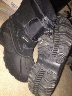Snow Boots Size 5