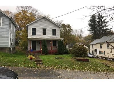2 Bed 1.0 Bath Preforeclosure Property in Hoosick Falls, NY 12090 - Jackson St