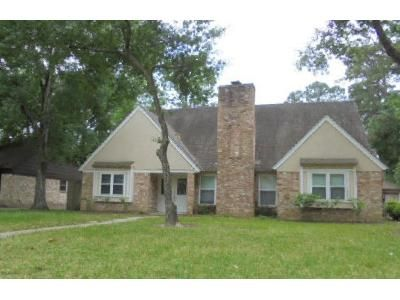 4 Bed 2.5 Bath Foreclosure Property in Houston, TX 77066 - Pinewilde Dr