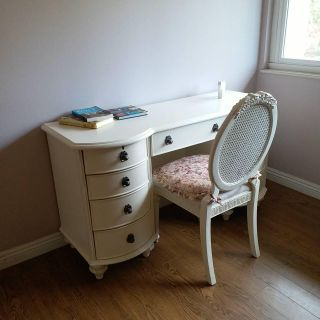 Country/Franch Style Desk with Chair