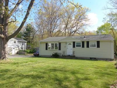 2 Bed 1 Bath Foreclosure Property in Ludlow, MA 01056 - Lavoie Ave