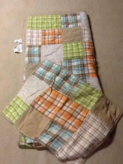 Twin full bed set with 2 shams