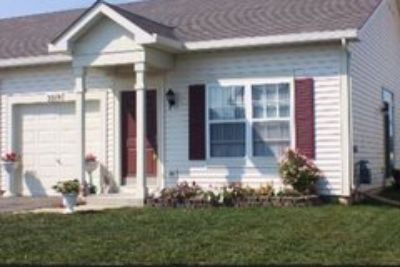 Lovely Ranch Duplex in Clubhouse Community