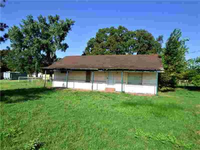 426 County Road 447 Eastland Three BR, This is a 1685 sq ft fixer