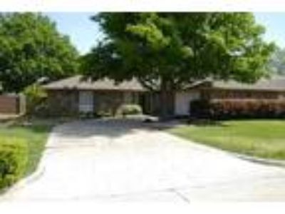 3BHK Single Family House At Sale In Roanoke, Texas, USA