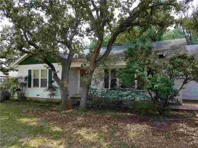 1900 W Plummer W Eastland Three BR, Very well kept home with 2244