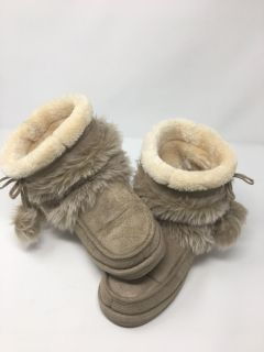 Women s Moccasin Boots