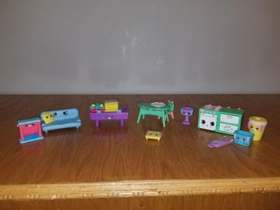 Shopkins happy house items...pool table couch...stove and more