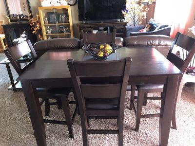 High dining table with 4 chairs