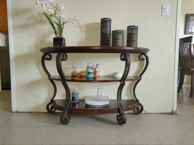 Console table - entrance - this weekend