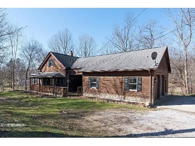3 Bed 2 Bath Foreclosure Property in Montville, OH 44064 - Madison Rd