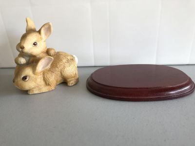 Home Interiors Ceramic Bunny Rabbits with Wood Stand