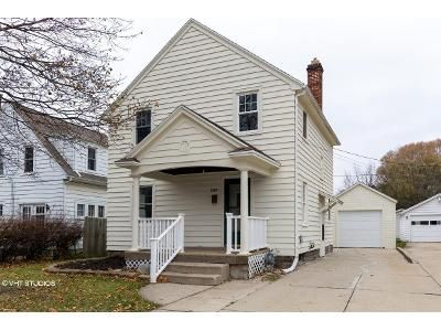 3 Bed 1 Bath Foreclosure Property in Janesville, WI 53545 - Ruger Ave