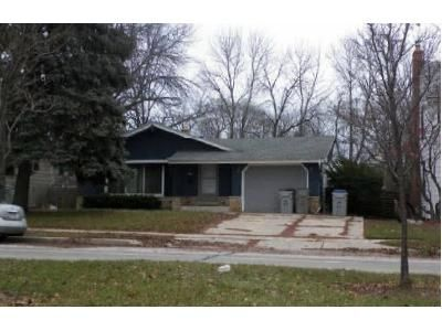3 Bed 1.5 Bath Foreclosure Property in Milwaukee, WI 53221 - S 20th St